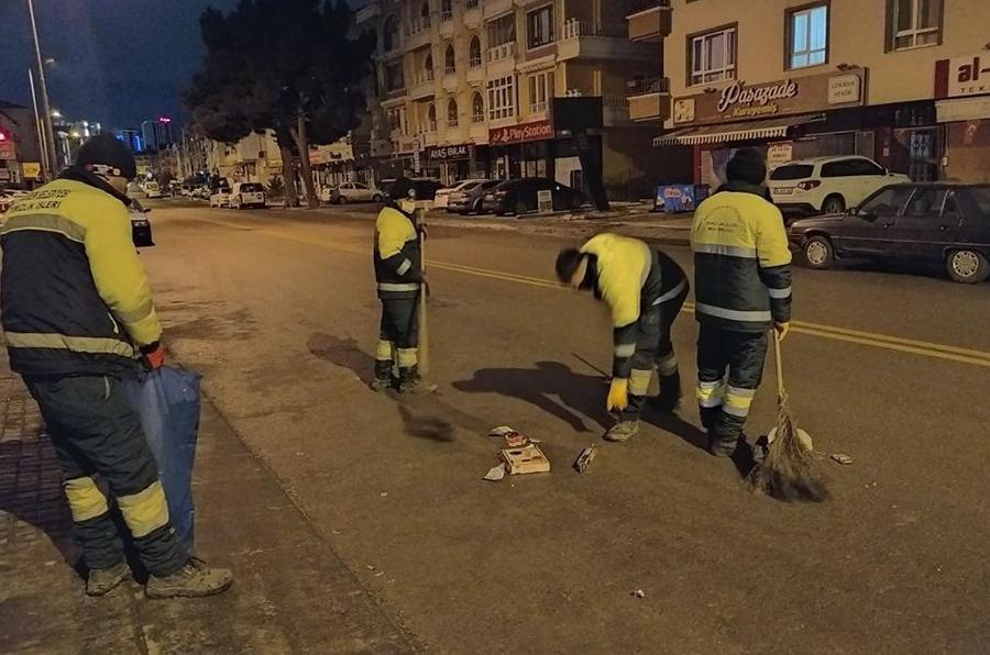 Keçiören'de vatandaş evinde, seyyar temizlik ekibi sahada