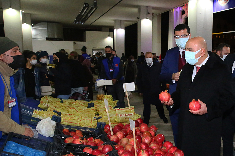 Keçiörenliler alışverişlerini sıcacık semt pazarlarından yapıyorlar